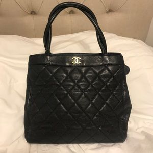 CHANEL - stunning vintage tote - caviar leather